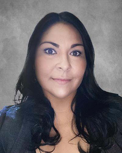 Headshot of Christina De Hoyos